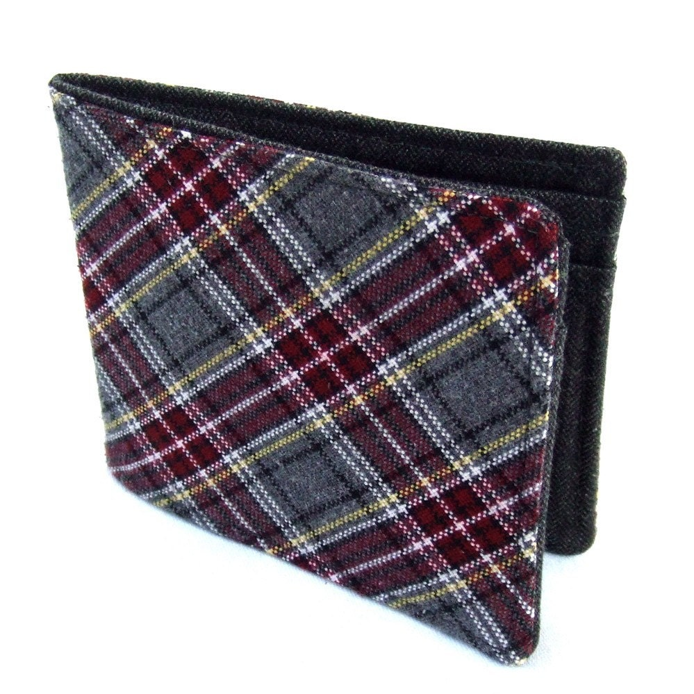 Etsy :: prixprix :: Recycled Necktie Wallet - Preppy Plaid