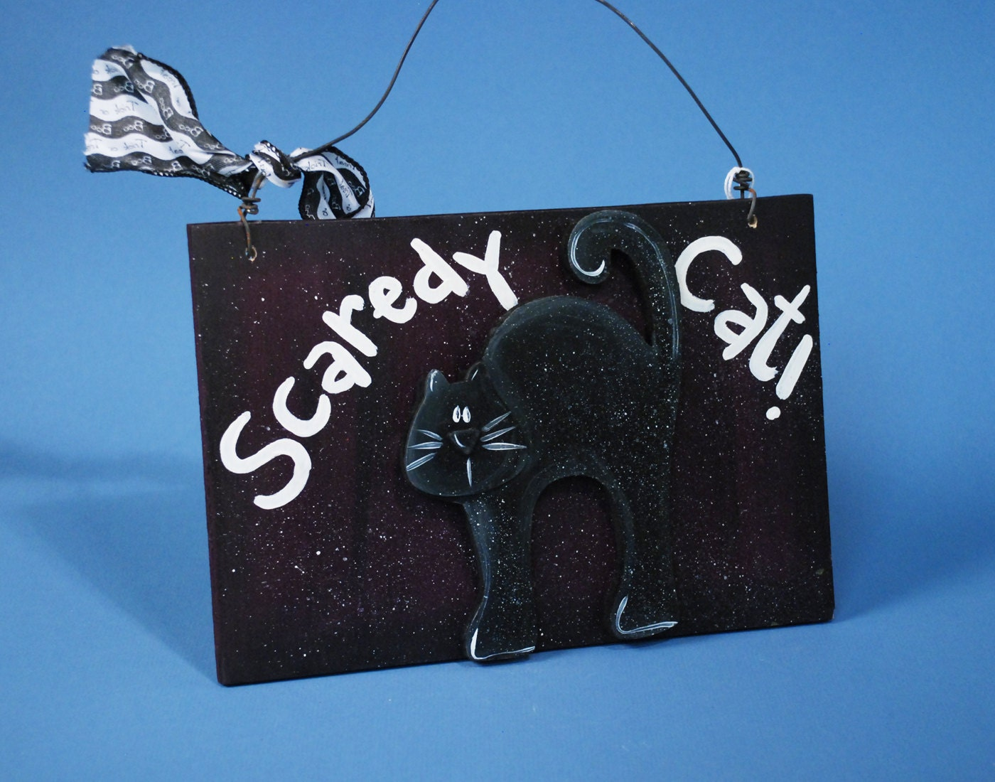 Wood Halloween Scaredy Cat Door Hanging Decoration