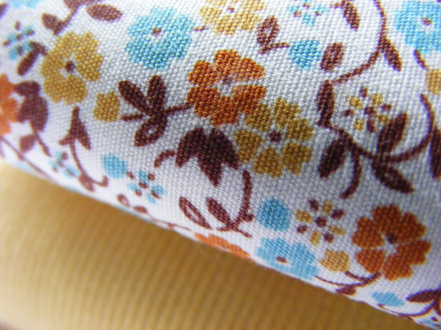 pretty vintage inspired floral cotton - spring colours - FQ