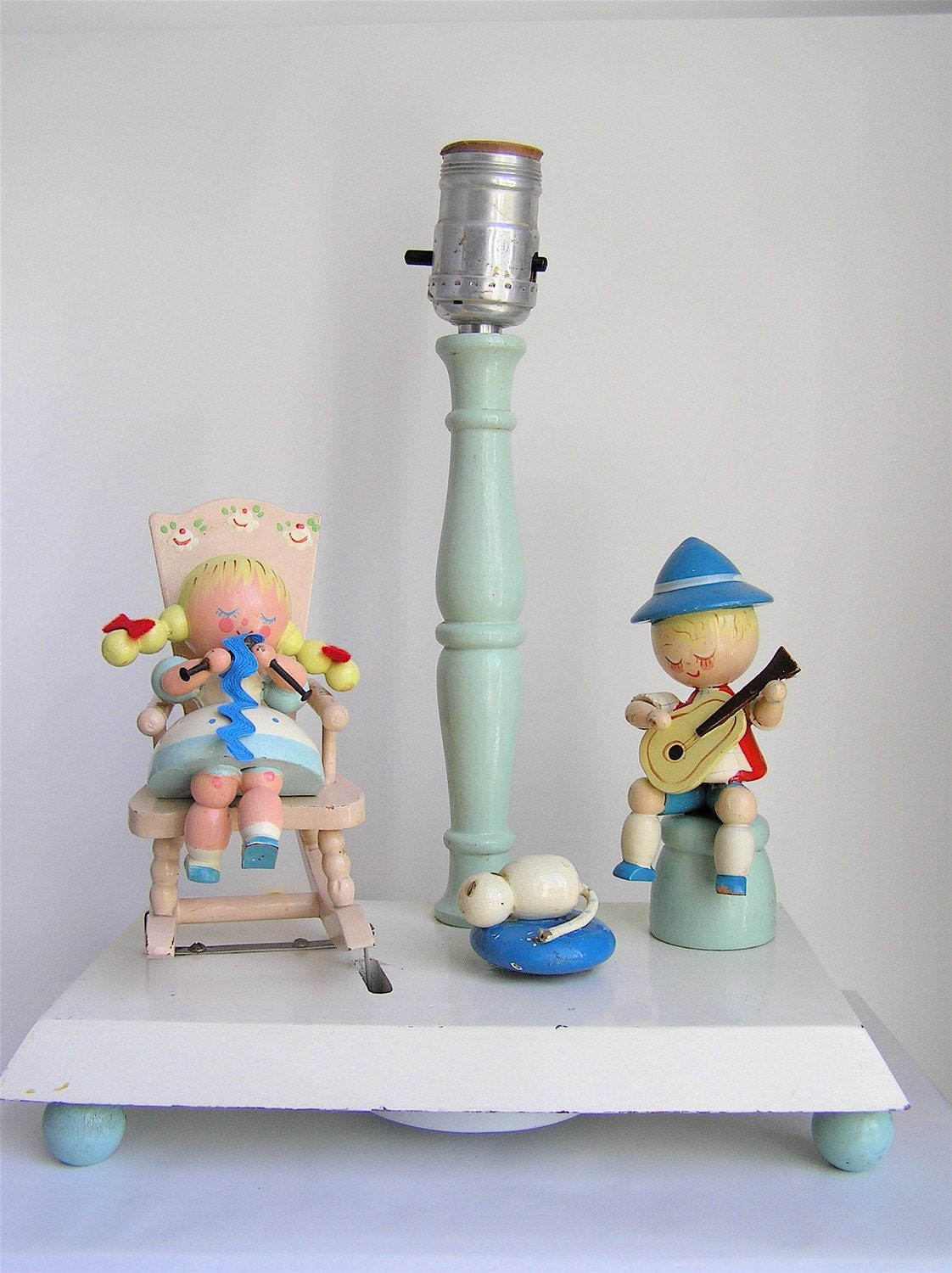 Sweet Vintage Irmi Nursery Animated Musical Lamp  Rocking Chair