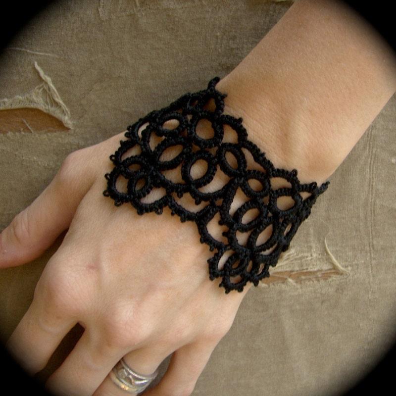 Oneironaut - Tatted Cuff Bracelet