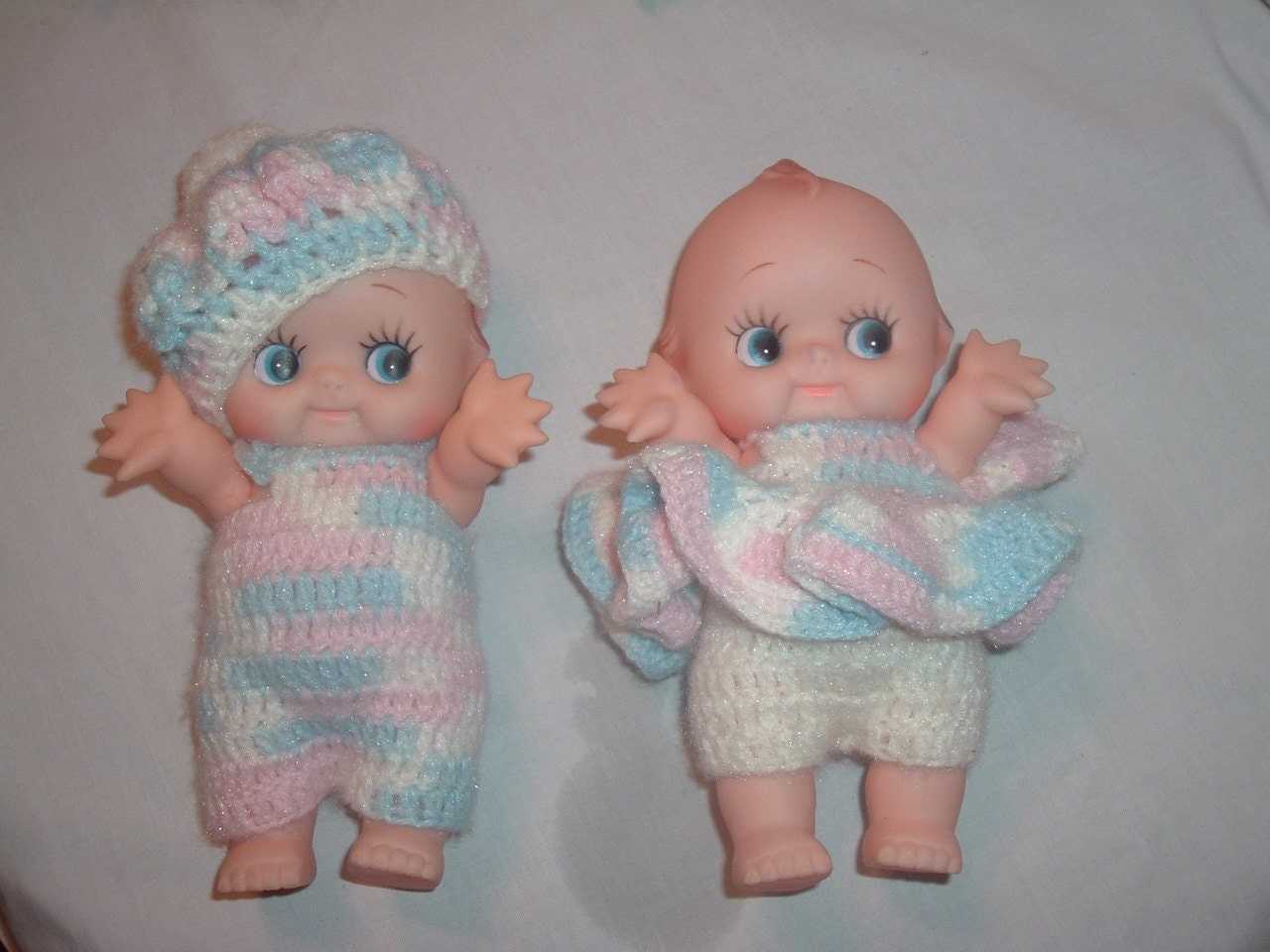 twin baby dolls with homemade crochet clothes - handymanhowto