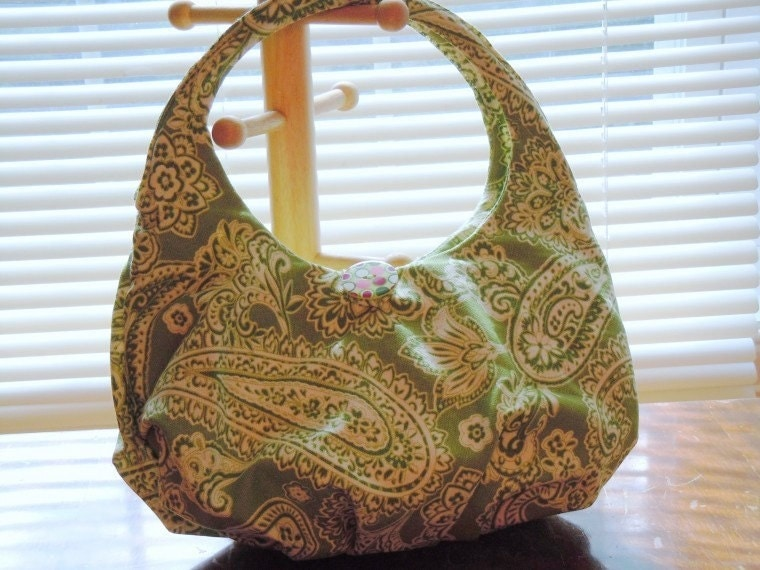 ON SALE! Handmade Purse in off-white and green paisley