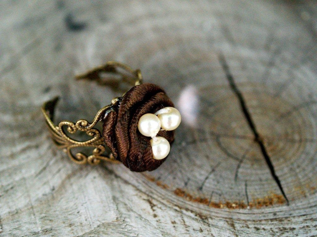 Brown Ribbon Nest Ring