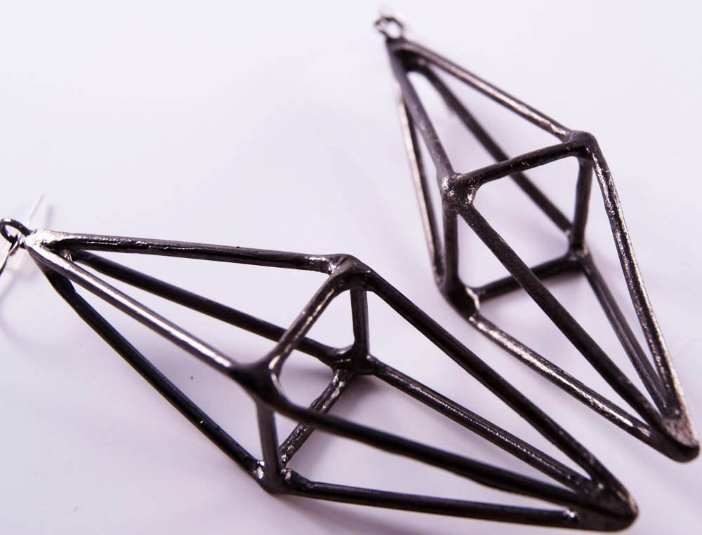 octahedron-earrings-gunmetal