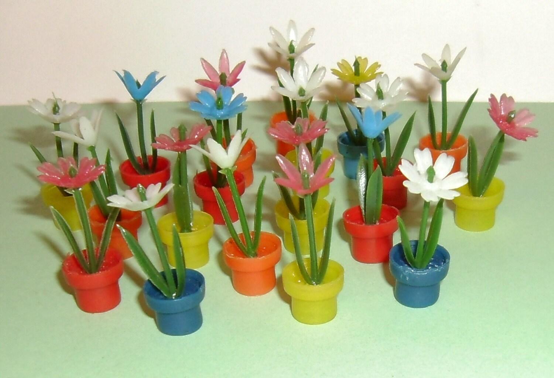 10 Vintage NOS Miniature Plastic Flower Pots by