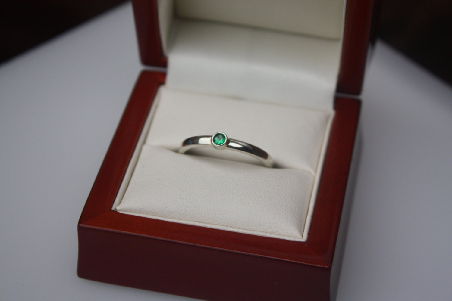 Emerald  White Gold Engagement  commitment anniversary Ring