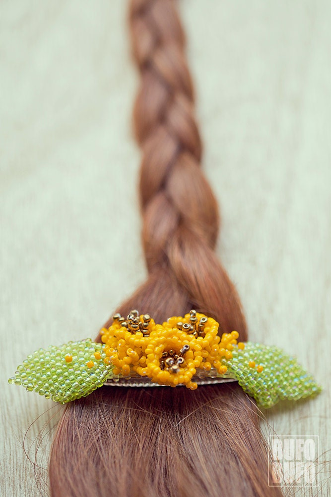 Beaded Flowers, hairclip, gift for woman, hair barette : MYSTERY GARDEN - BUFOxBUFO