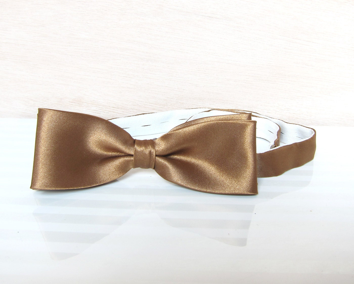Vintage Gold Men's Bow, 90s Mens Satin Old Gold Bow Tie pre-tied - HappyEight