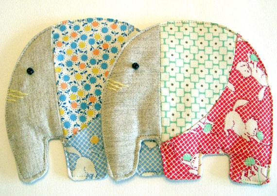 set of 2 -  elephant coasters - cats - Noei