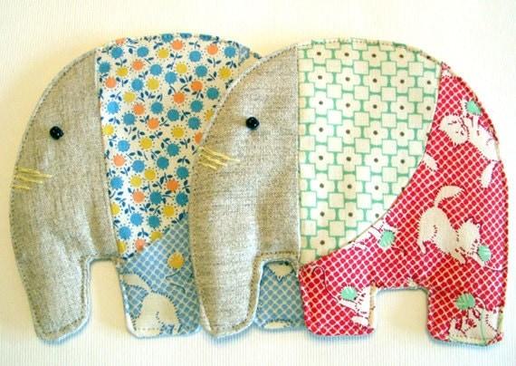 set of 2 -  elephant coasters - cats - Noei