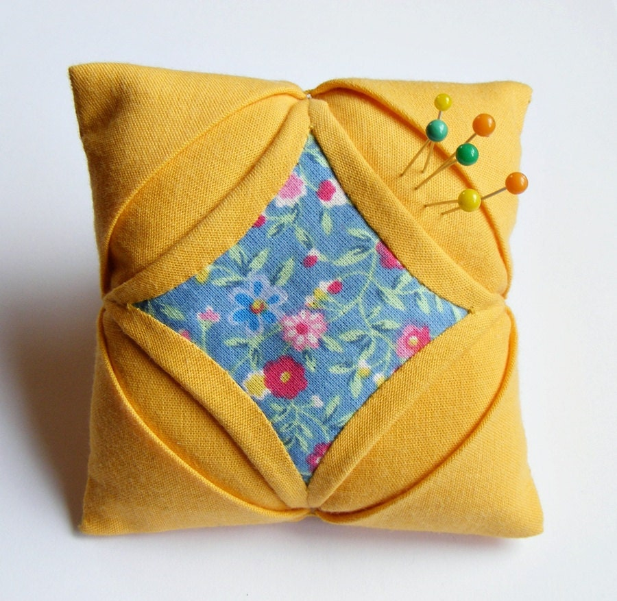 Handmade pincushion quilt cathedral window yellow blue - LenteJulcsi