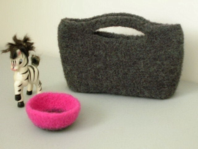 Felted Crochet Bag : Free Crochet Purse, Tote and Bag Patterns AllCrafts.net - Free ...