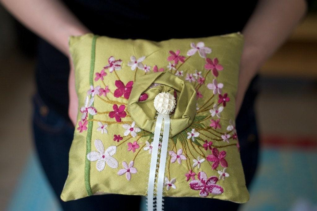 Флокс цветов кольцо предъявителя подушку Pt.  2