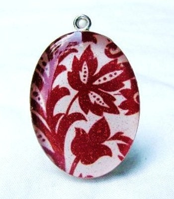 Crimson. A Sterling Silver Pendant. Reflections Collection