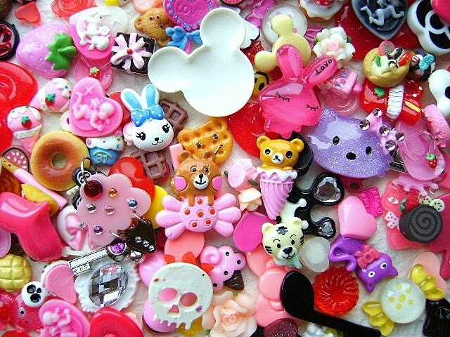 WHOLESALE  Cute Japanese 200 Cabochons And Charms BIG Set Mix SPECIAL PACK CT1