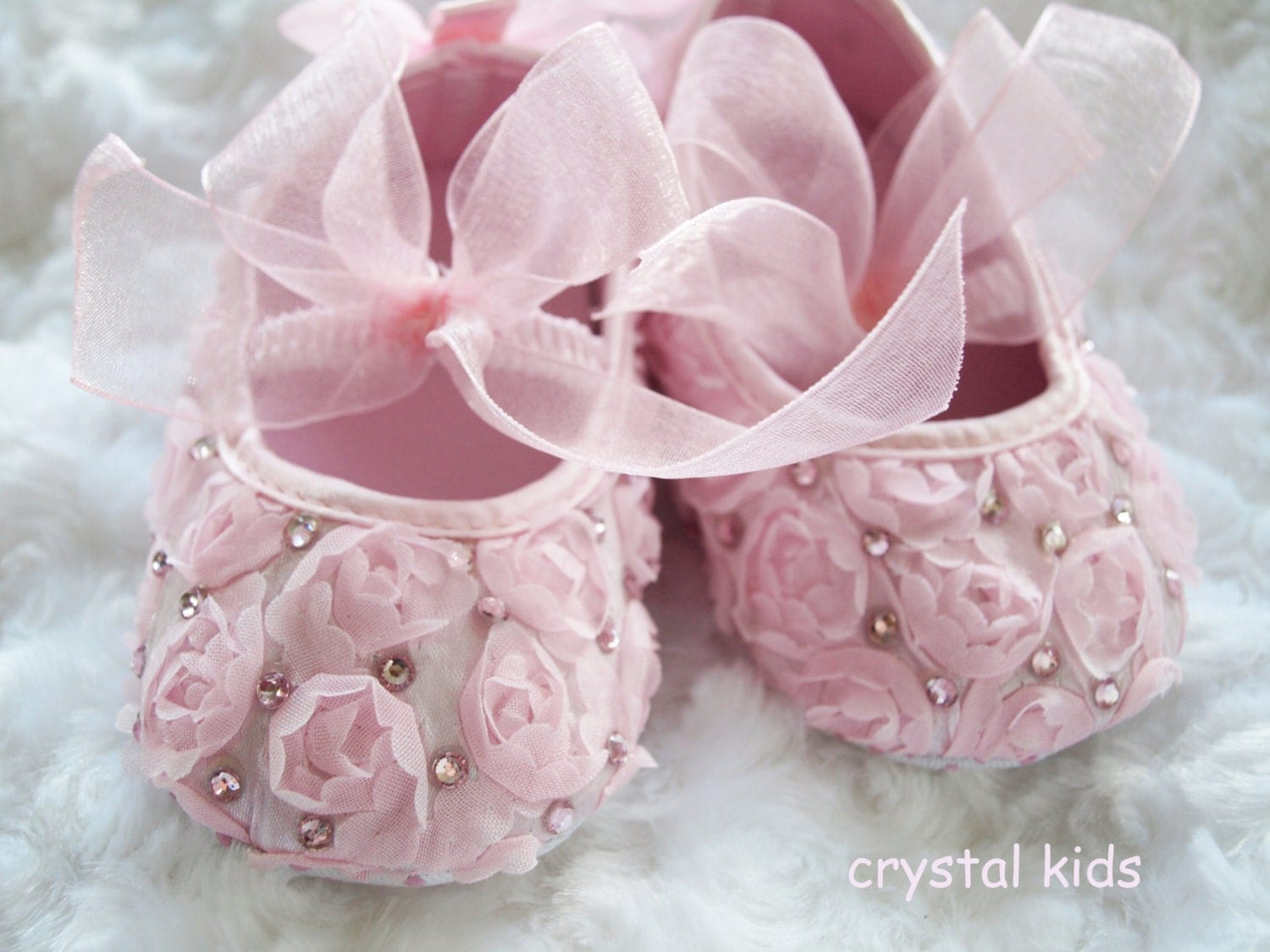 Unique Baby Girls Shoes Pink Rosebud Satin Pram Shoes Christening Baptism Wedding Pram Shoes 36 69 912 Months