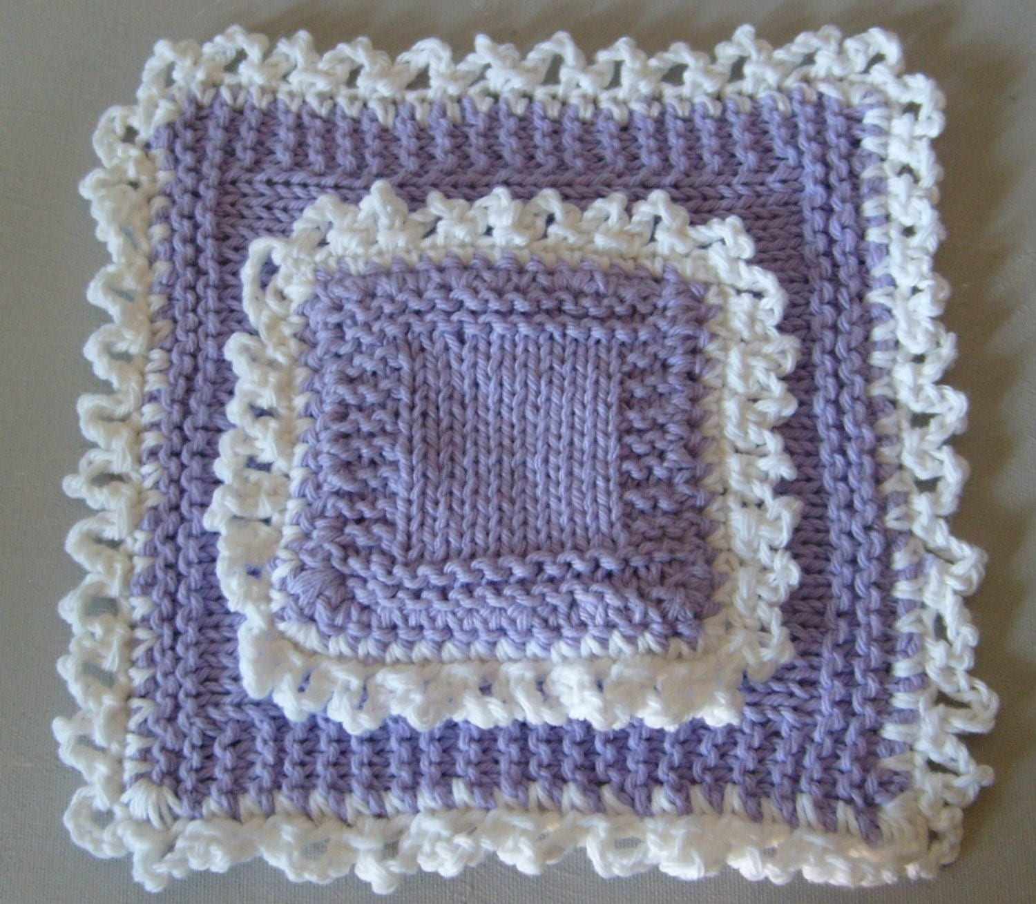 Pretty Hand Knit Deluxe Sponge And Washcloth Set - In Lavender And White/Lace Edge / FREE WORLDWIDE SHIPPING