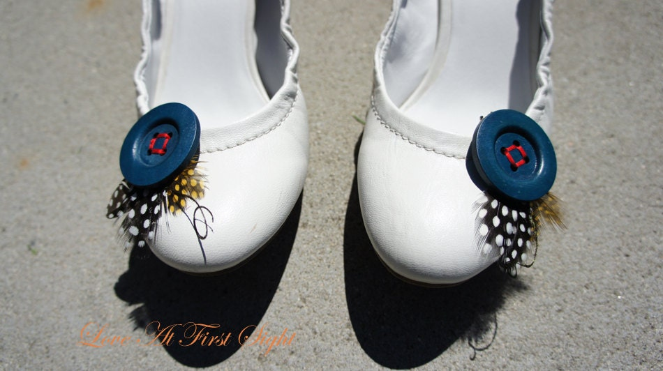 Cute and Chic shoes clip. Something Blue.