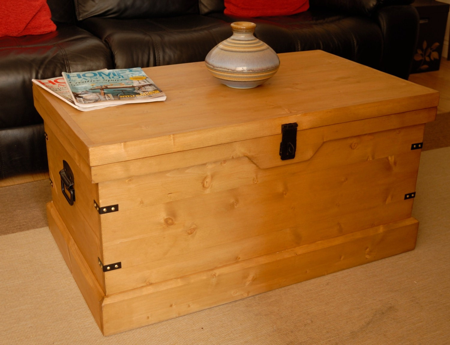 Rustic Wooden Chest Trunk Large Pine Blanket Box Coffee Table Ottoman