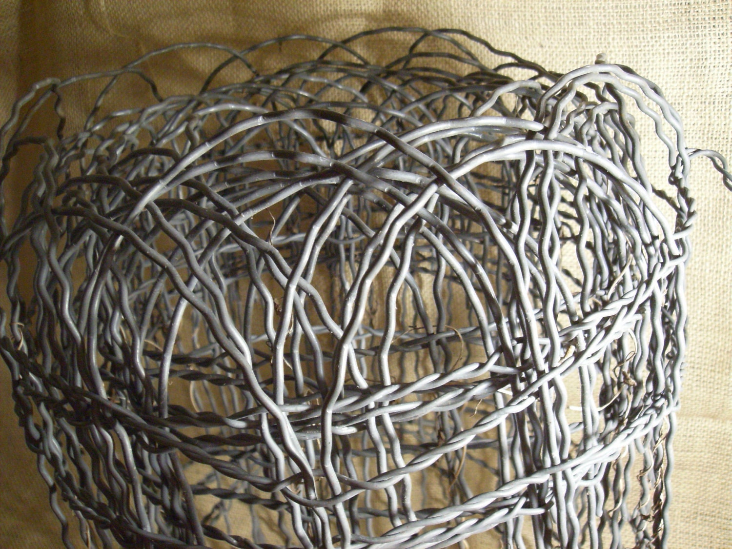 15 ft of crimped curly wire garden fence SO MANY IDEAS