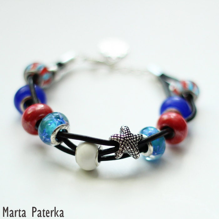 Nautical handmade bracelet with glass beads - martapaterka