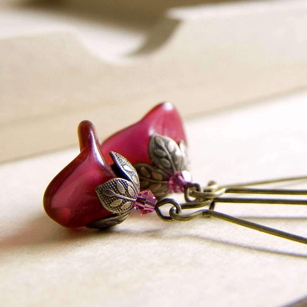 Pretty Posy Earrings in Fuchsia