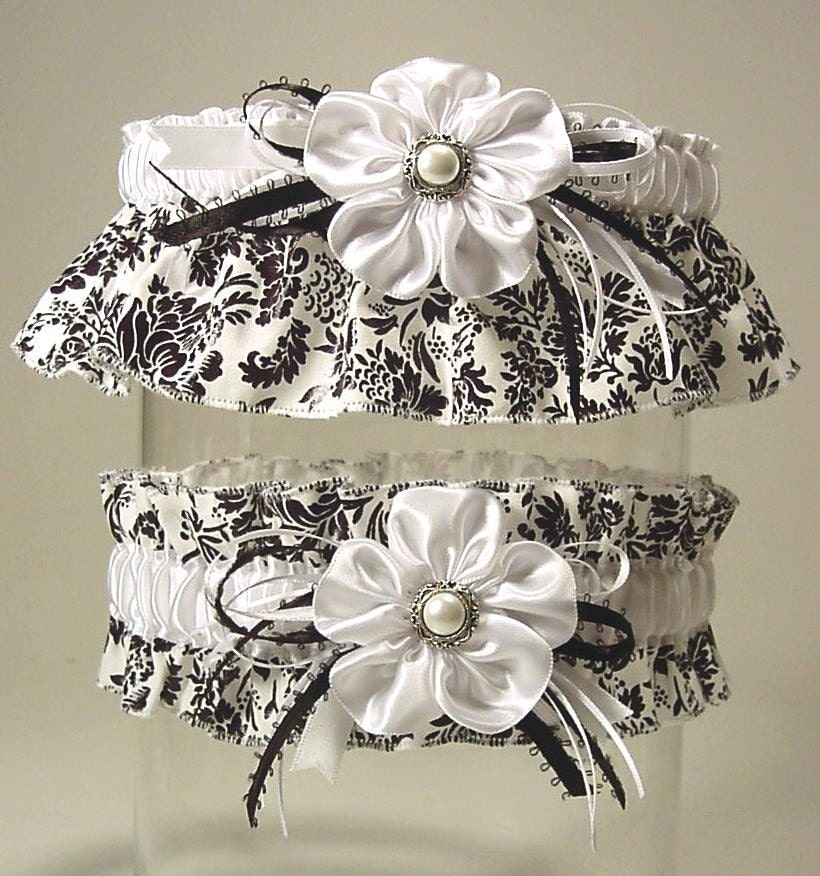 BLACK n WHITE a PETERENE garter set