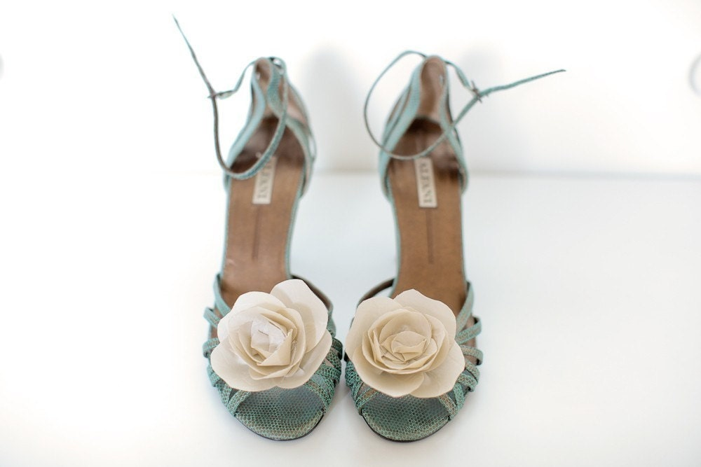Ivory Bloom- Shoe Clips
