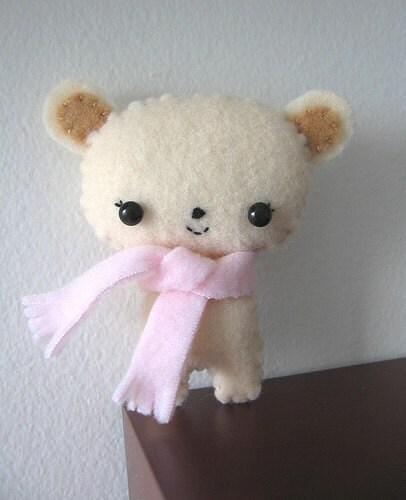 Sweet Little Bear in Vanilla
