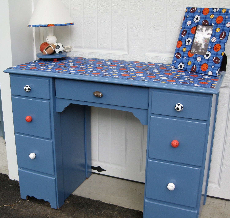 Boy's Desk and Chair Set - MonetsAttic