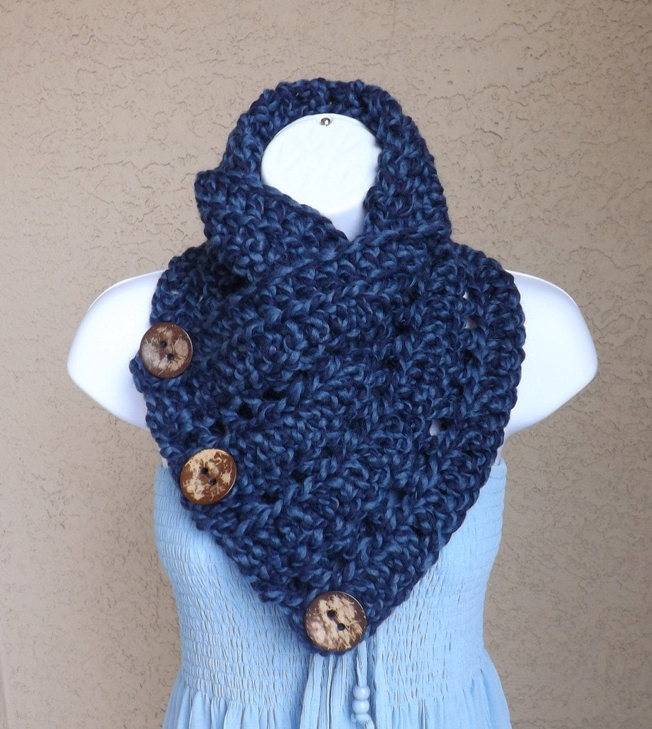 Crochet Neck Warmer : Crochet chunky buttoned neck warmer with three natural coconut shell ...