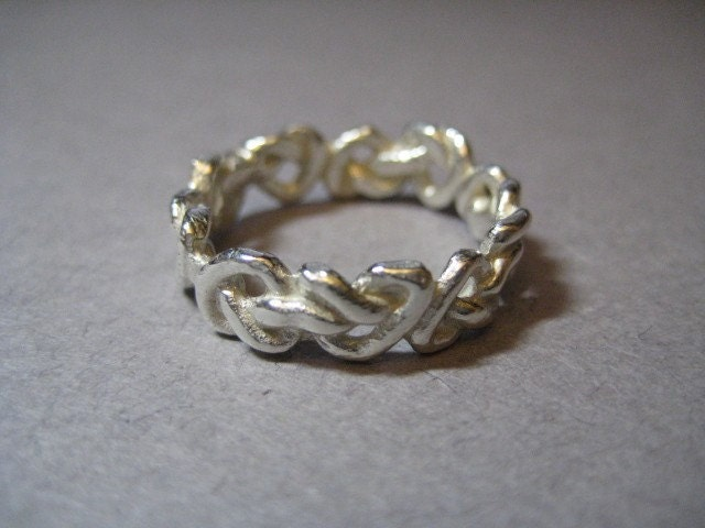 Love And Eternity. Celtic Love Knot Eternity Band