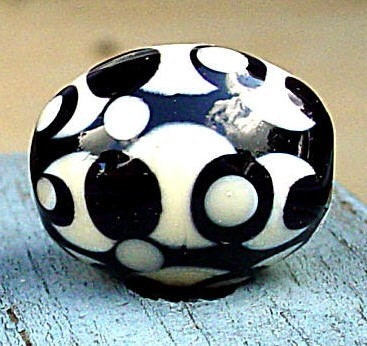 Black and Ivory Pattern Egg Focal Lampwork Bead - AmySmithGlass