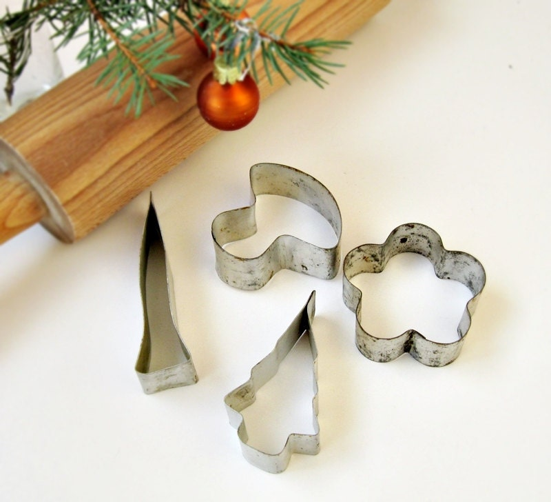 Cookie cutters christmas vintage craft supplies by oldflat for Vintage christmas craft supplies