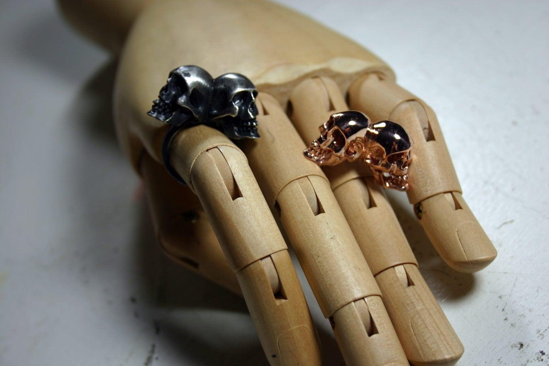 memento mori. conjoined skull ring. rose gold.