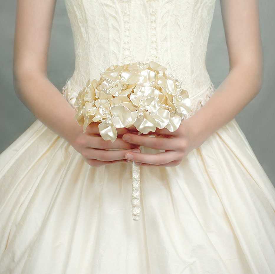 باقات للعروس il_fullxfull.3529049