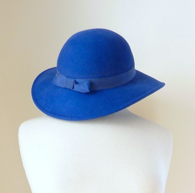 vintage ROYAL cartwheel hat (ww80sa00-1)