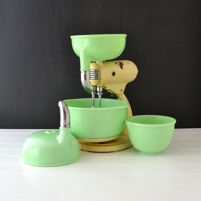 Vintage Kitchen Bowls: Vintage Sunbeam Mixmaster S 3A Jadeite Bowls Cream By KOLORIZE