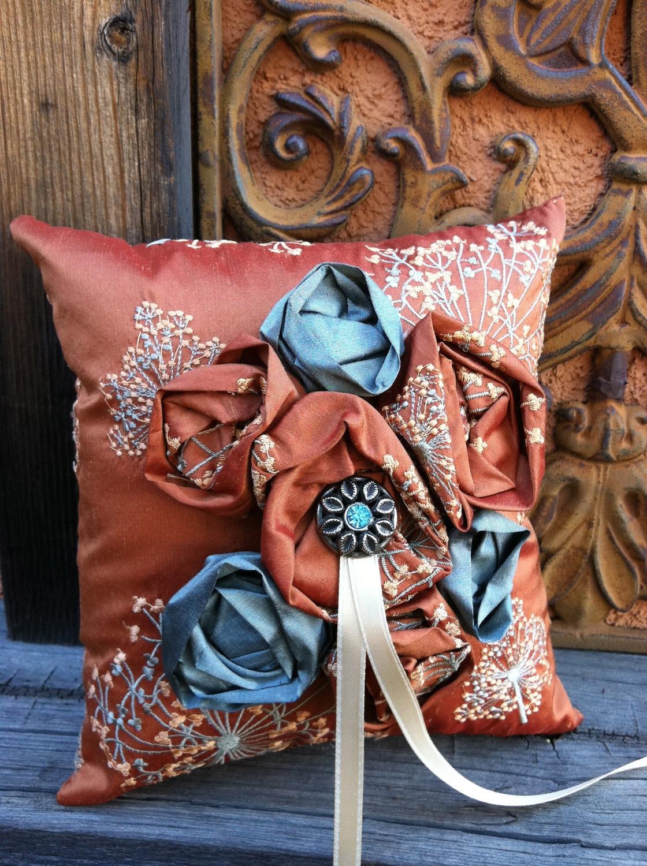 Дикий цветок кольцо предъявителя подушку