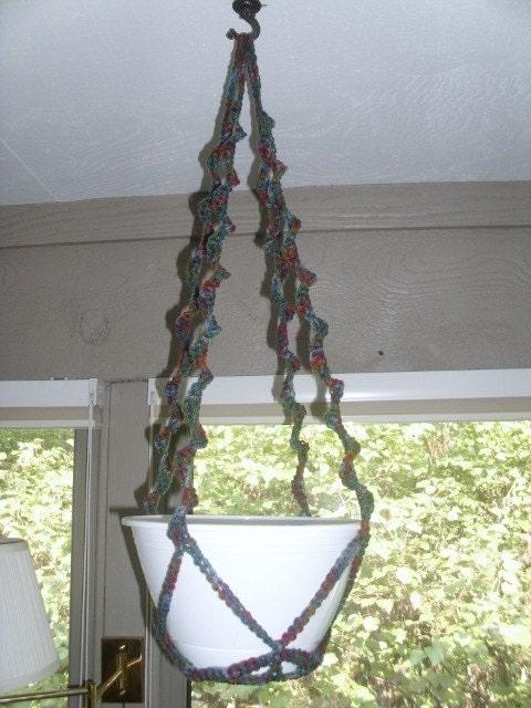 Retro Style Crocheted Plant Hanger/Spiral Plant Hanger