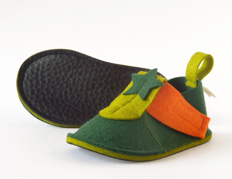 Toddler shoes green & orange Pop Star - pure wool felt toddler booties with non slip soles