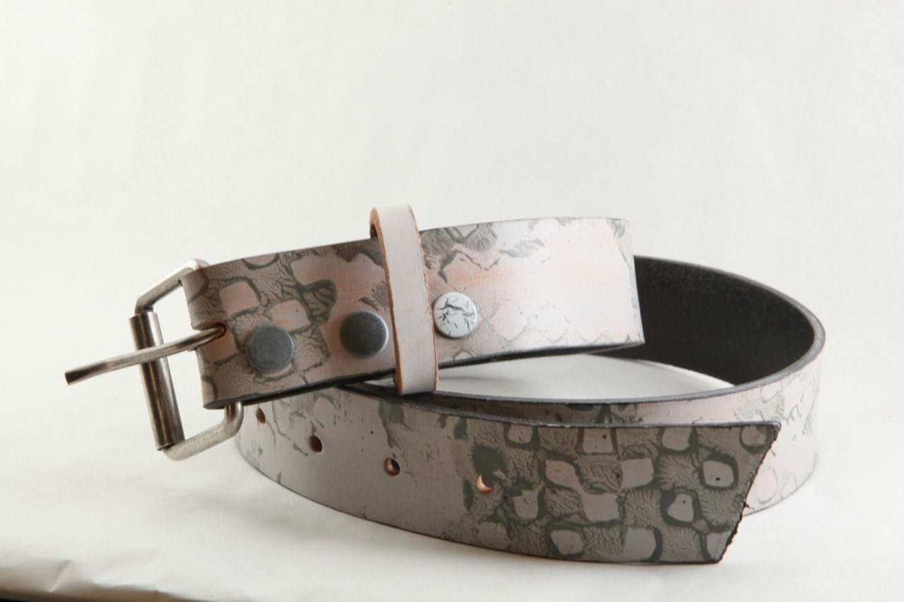 D7     FULLGIVE LEATHER BELT