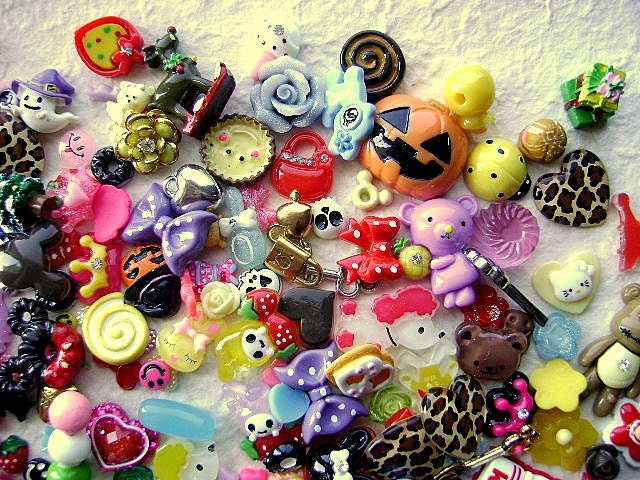 WHOLESALE Cute Japanese 230 Cabochons Charms BIG Mix SET GG
