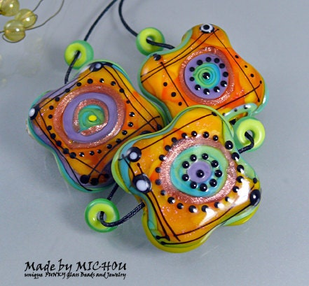 Spot lights art glass set 3 flat shaped beads by michoudesign for Anderson art glass