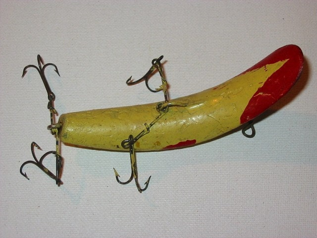 Folk painted vintage fishing lure old fishing by for Old fishing lures worth money