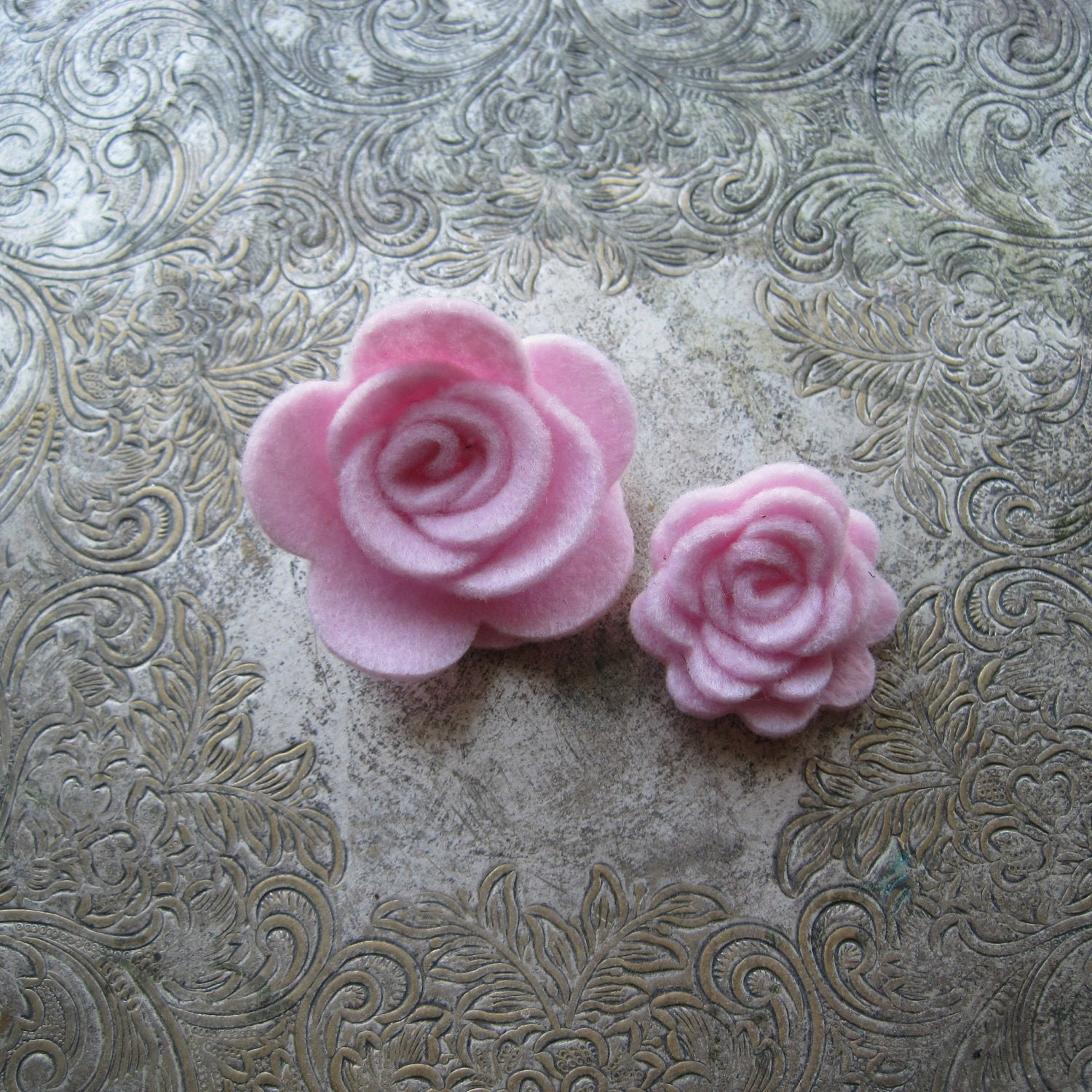 Lot of 20 Felt 3d Roses - Choose your own colors and sizes - Create Your Own diy - Large and Small flowers for headbands, clips, projects,