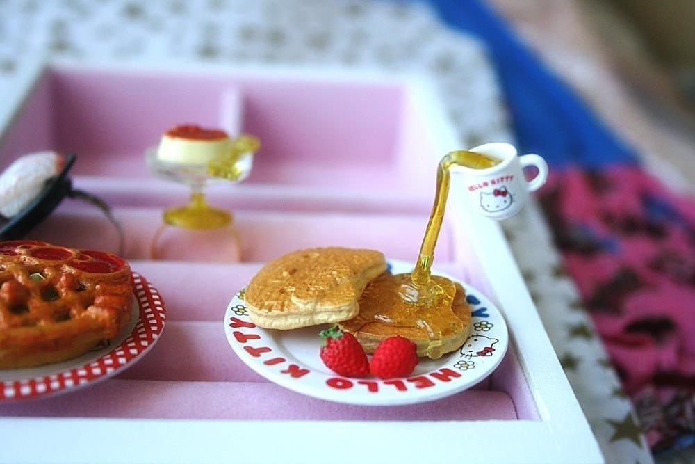 Hello Kitty Floating syrup pancake ring