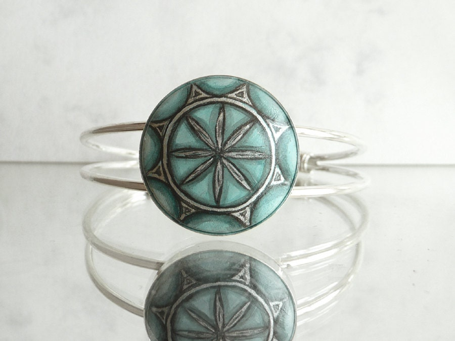 Trendy Jade Green Bezel Bracelet, Charm Bracelet, Hand Painted Bracelet, Cuff  Bracelet, Modern Flower,  Miniature Painting, Art Meets Craft - ARTDORA