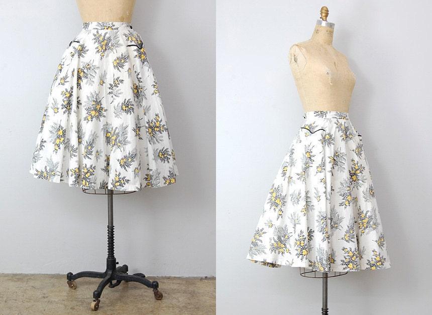 vintage 1950s skirt / vintage 50s skirt/ floral skirt / swing skirt 1950s